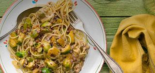 Rosenkohl Spaghetti in Speck-Sahnesoße