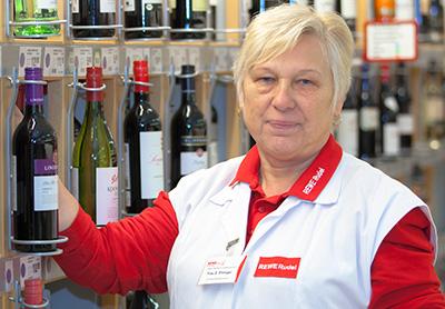 Getränkemarkt - Frau Ellinger