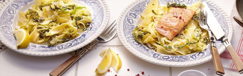 Pasta mit Wirsingkohl und Lachs